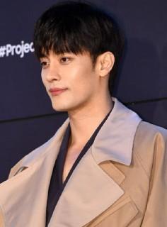 俳優 ソンフン 韓国 ソンフンは兵役済み?結婚してる?プロフィールがユニークな人気俳優